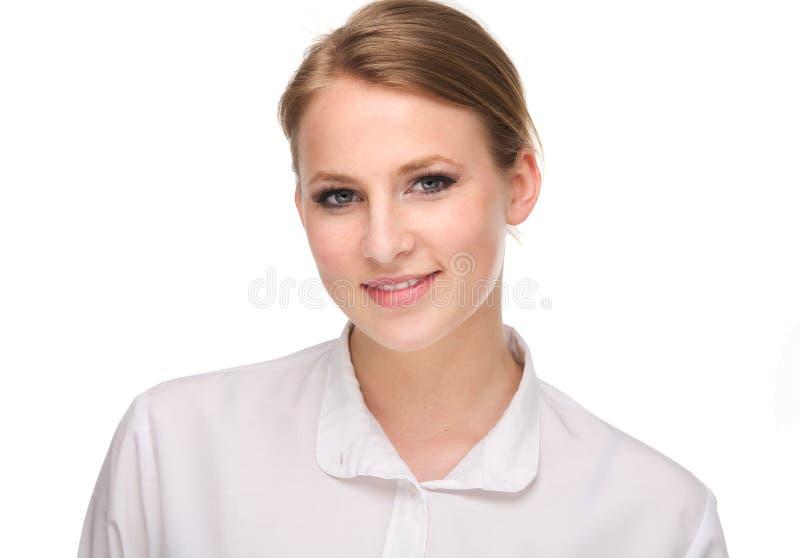 Feche acima do retrato de um sorriso bonito da jovem mulher foto de stock