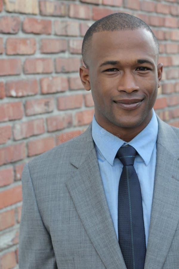 Feche acima do retrato do trabalhador incorporado afro-americano masculino imagem de stock royalty free