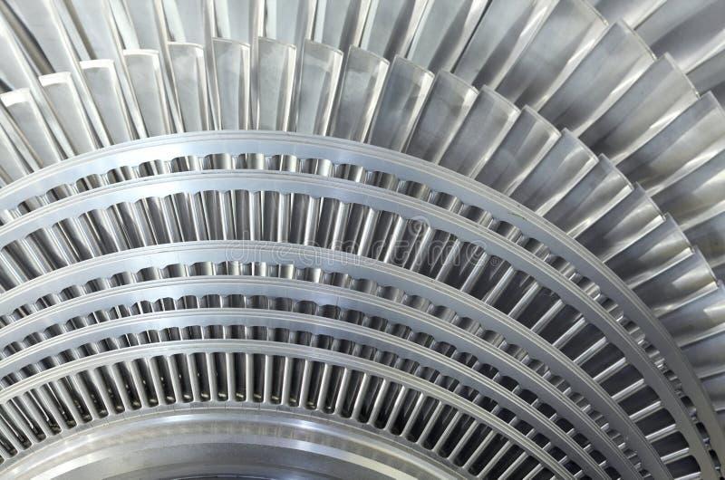 Feche acima do rotor de uma turbina de vapor fotografia de stock