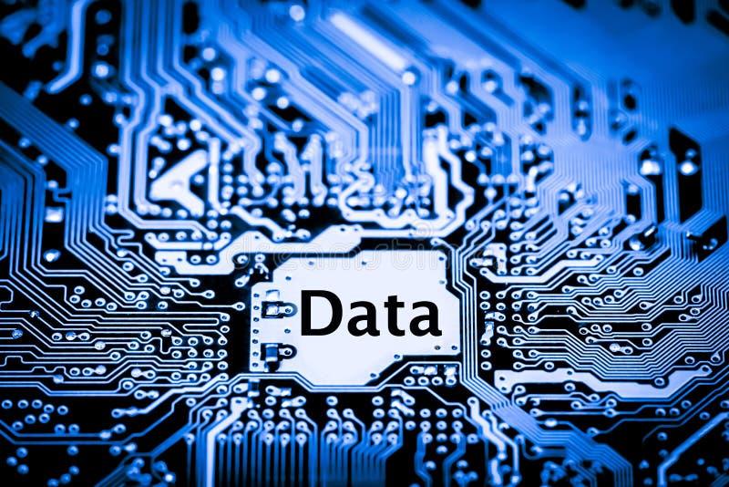 Feche acima dos circuitos eletrônicos na placa de lógica do fundo do computador da tecnologia de Mainboard, cartão-matriz do proc fotos de stock