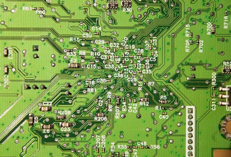 Feche acima dos circuitos eletrônicos na tecnologia foto de stock royalty free