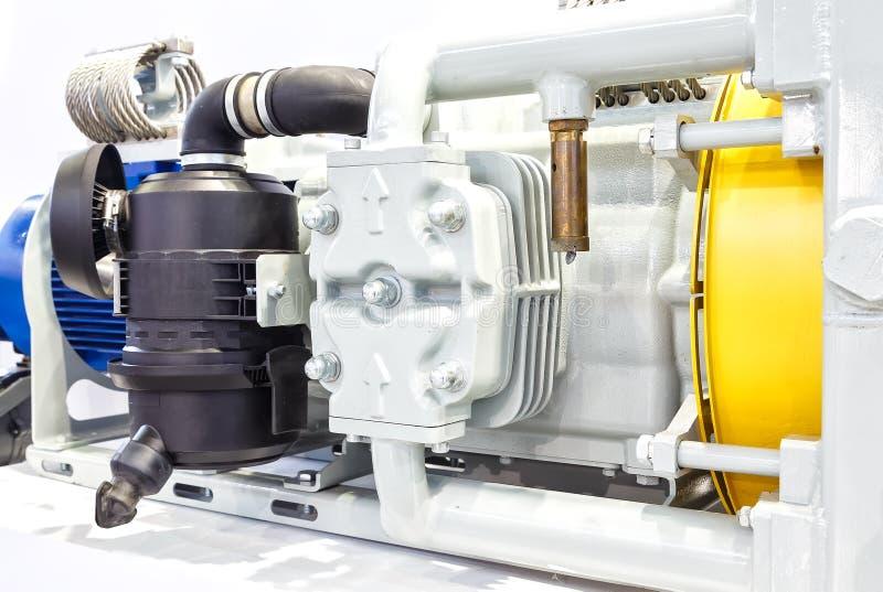 Feche acima dos motores bondes poderosos para o equipamento industrial moderno imagens de stock royalty free