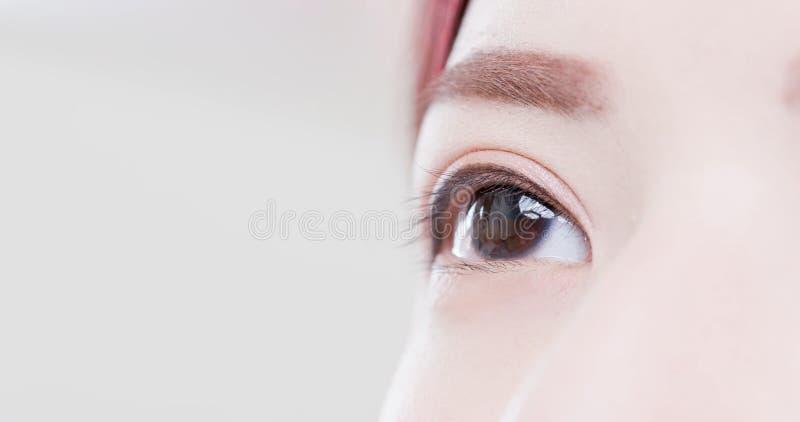 Feche acima dos olhos da mulher fotos de stock royalty free