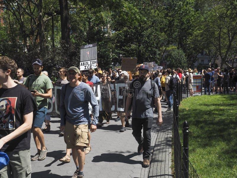 Feche os acampamentos protestam foto de stock
