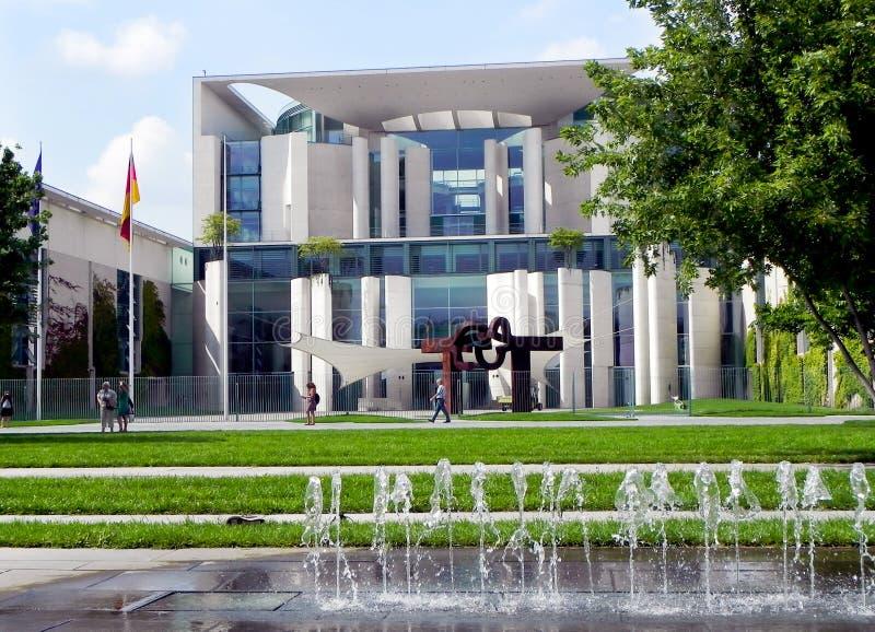 federal chancellery - tysk royaltyfri foto