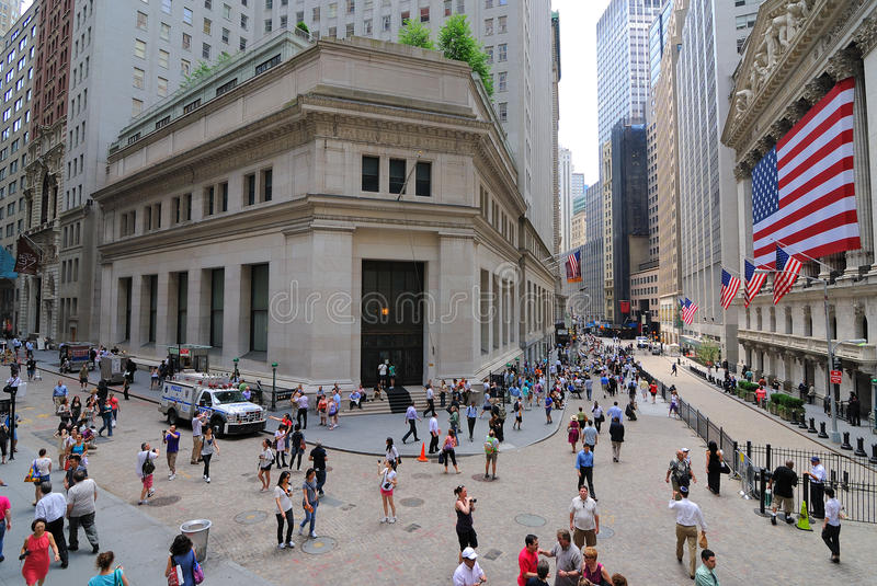 Download Federal Hall And Wall Street Editorial Stock Image - Image: 19428329