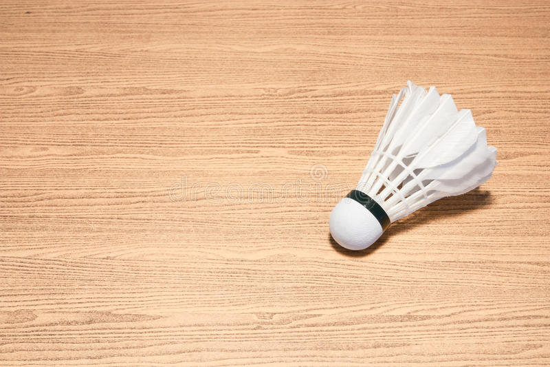 Federball auf dem Tisch lizenzfreies stockfoto