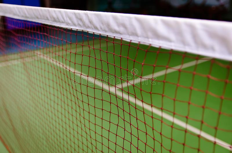 Federballplatz behide Netz stockbilder