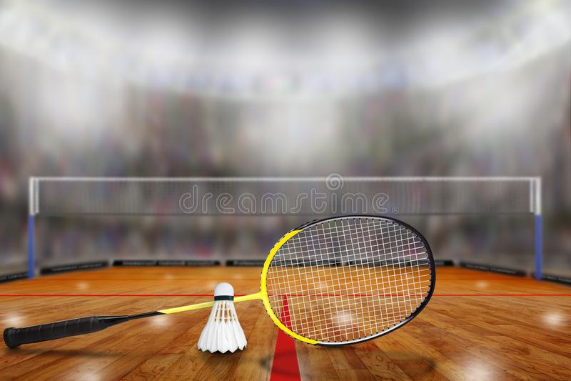Federballschläger und Federball in der Arena mit Kopien-Raum stockfotografie