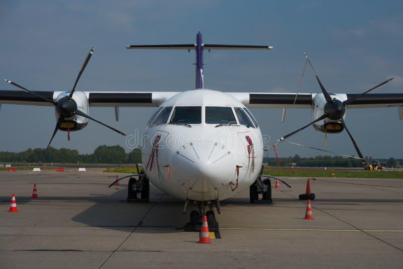 Fedex-Voeder ATR 72 royalty-vrije stock foto's