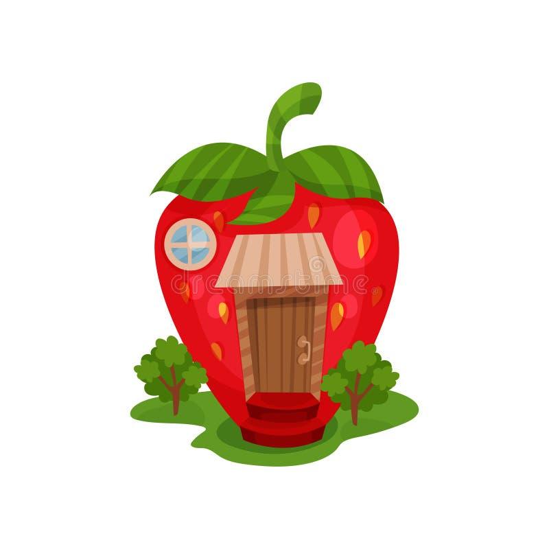 Feenhaftes Haus in der Form der roten reifen Erdbeere und der grünen Bäume auf dem Gras Miniaturhaus mit Holztür und rund lizenzfreie abbildung