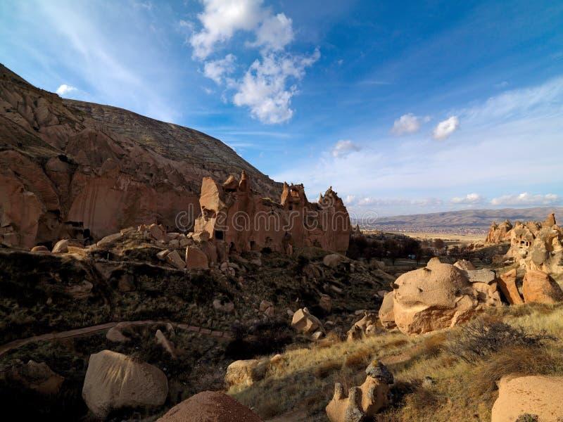 Feeschoorstenen in Zelve-Vallei in Cappadocia, Turkije stock foto