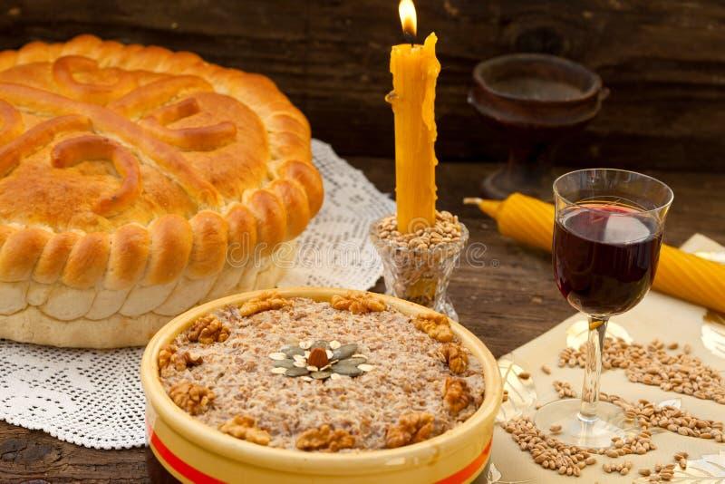 Feestelijk brood met tarwe stock afbeelding