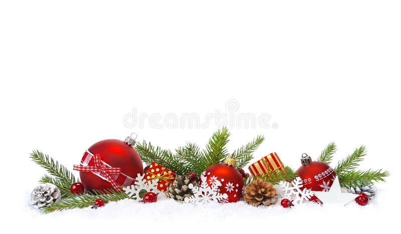 Feestelijke Kerstmissamenstelling in sneeuw stock afbeeldingen