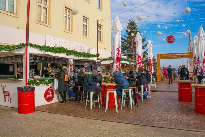 Feestelijke Markt in Zagreb stock afbeeldingen