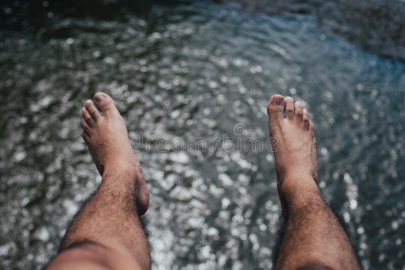 Feet Over Water Free Public Domain Cc0 Image