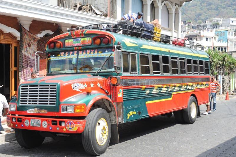 Feg buss på Panajachel royaltyfria foton