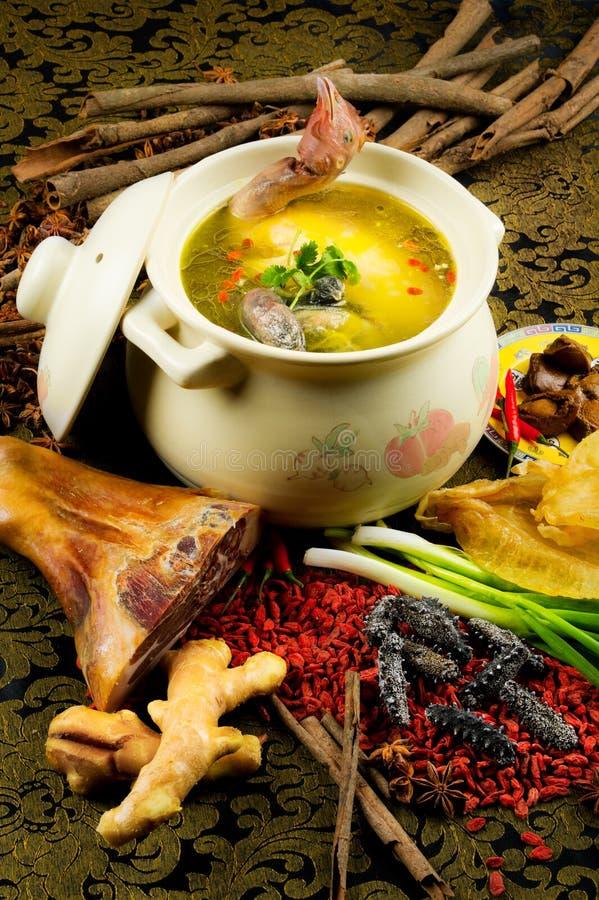 feg kinesisk kokkonstkrukasoup royaltyfria foton