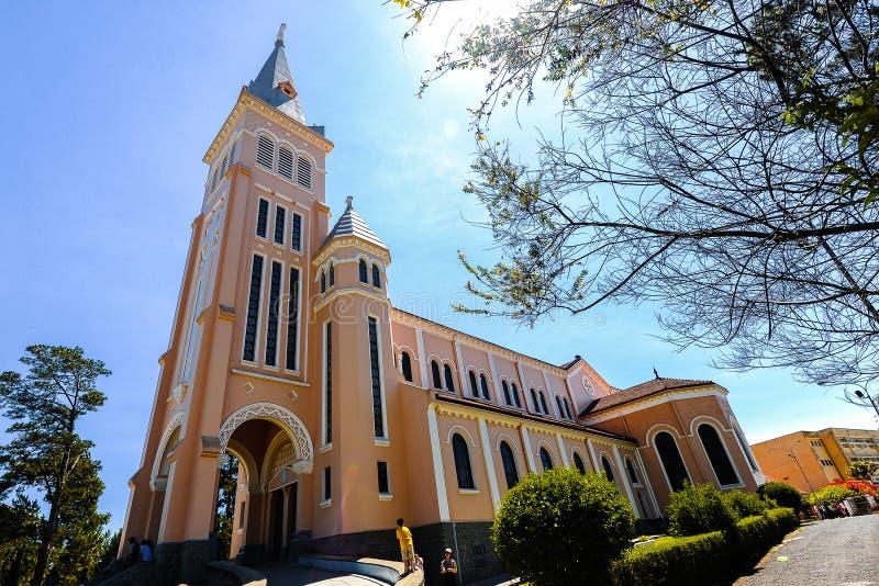 Feg kyrka i den Dalat staden arkivbild