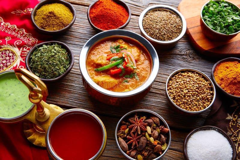 Fegt Jalfrazy indiskt matrecept och kryddor royaltyfri fotografi
