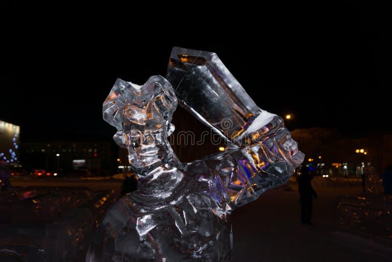 Fehlschlag von Ilya Muromets die Klinge auf der Ausstellung von Eisskulpturen stockbilder