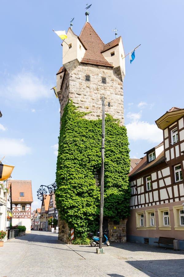 Fehnturm em Herzogenaurach no céu azul na Baviera, Alemanha imagem de stock royalty free