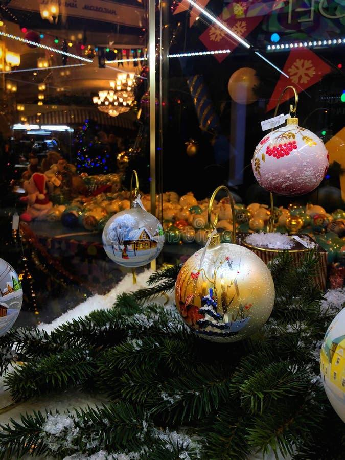 Feier des neuen Jahres in Moskau, Dekorationen im GUMMI-Speicher lizenzfreie stockfotos