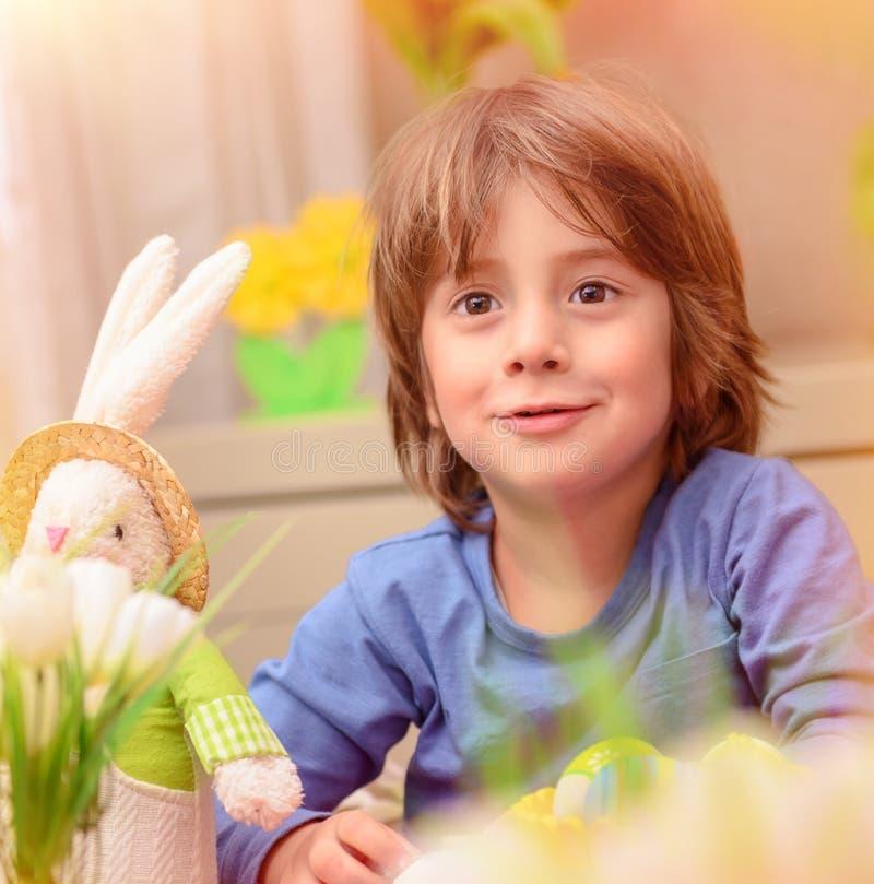 Feiern von Ostern-Feiertag stockbild