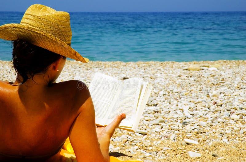 Am Feiertag am Strand stockbilder