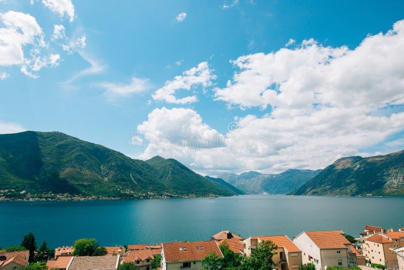 Download Feiertag In Thailand, KOH Samui, Rest Von Asien, Der Garten Mit Seeansichten Montenegro Stockfoto - Bild von haus, berg: 90237284