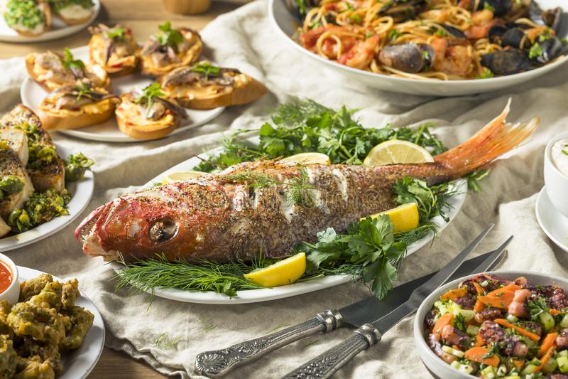 Feiertags-italienisches Fest von 7 Fischen lizenzfreie stockfotos