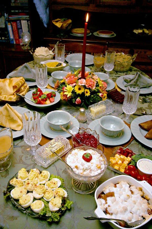 Feiertags-Mahlzeit-Tabellen-Einstellung lizenzfreies stockbild