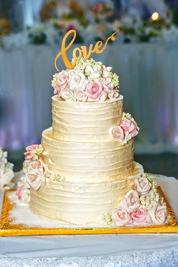 Feiertagskuchen für die Hochzeit stockbilder