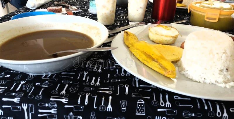 Feijões colombianos arroz do alimento e humildade do ovo fotos de stock royalty free