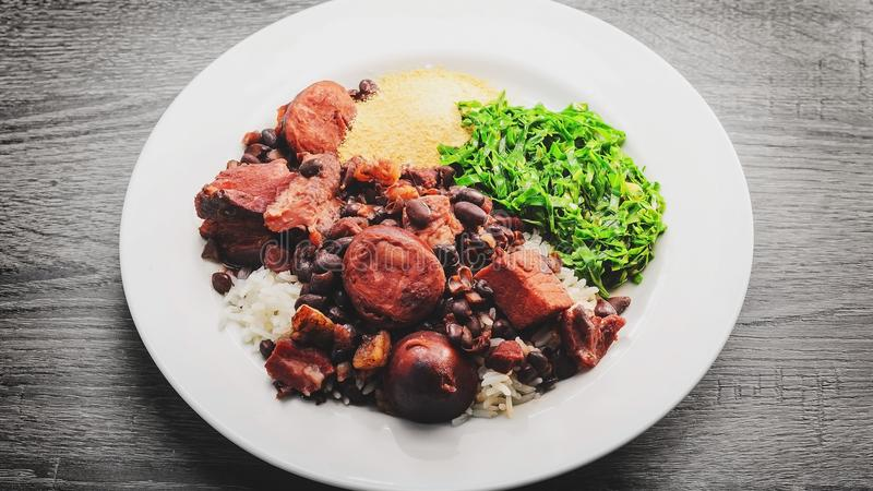 Feijoada, cucina brasiliana tipica immagini stock libere da diritti