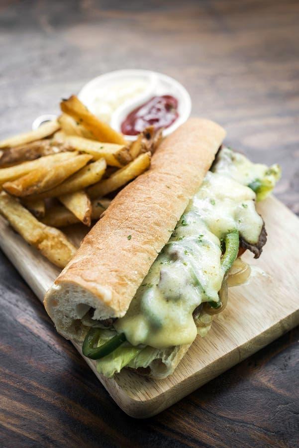 Feinschmecker Philly-Cheesesteak-Sandwich mit Fischrogen stockfotografie