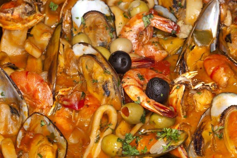Feinschmecker-Speisen: Garnele, Kalmar und Miesmuscheln stockbilder