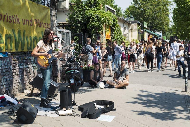 Feira da ladra em Mauerpark em Berlim, Alemanha imagens de stock