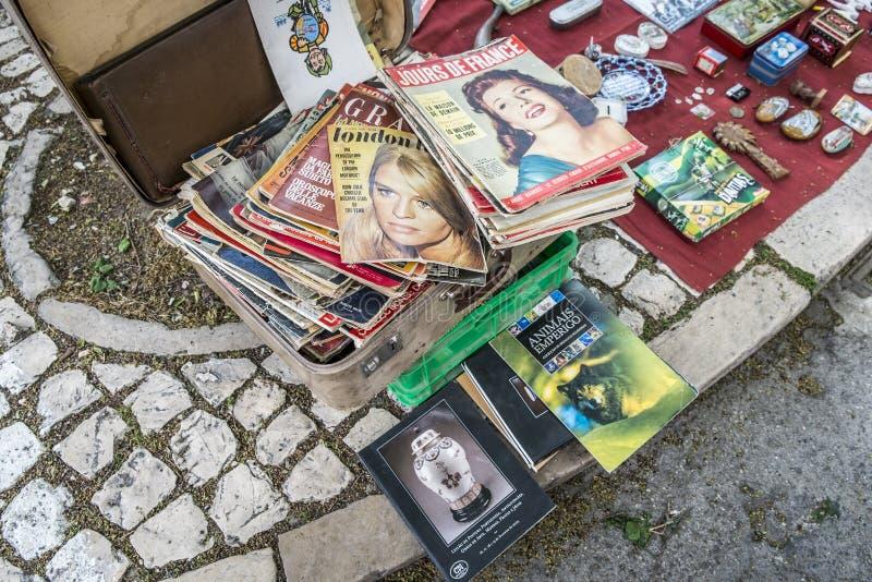 Feira da Ladra i Lissabon Portugal fotografering för bildbyråer