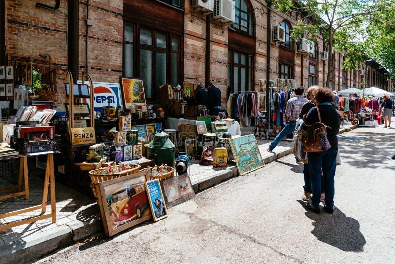 Feira da ladra no museu de estrada de ferro do Madri, Mercado de Motores imagem de stock