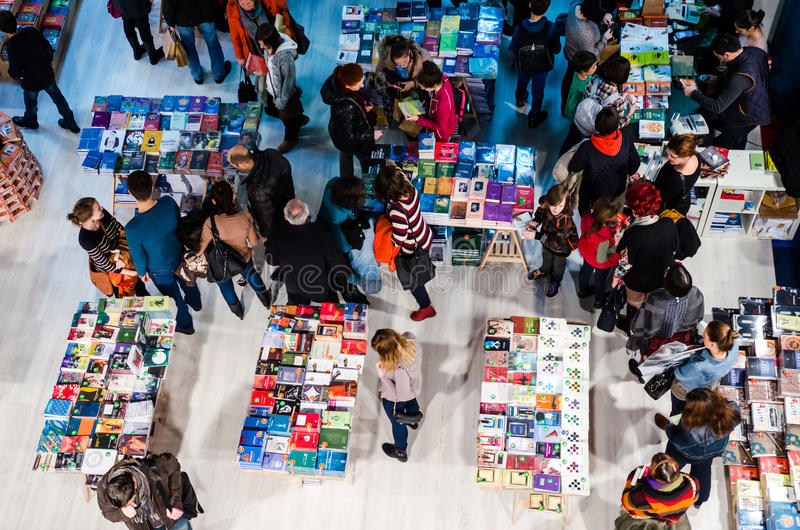 Feira de livro de Gaudeamus, Bucareste, Romênia 2014 fotos de stock