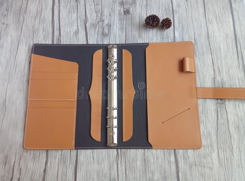 Feito do caderno de couro foto de stock
