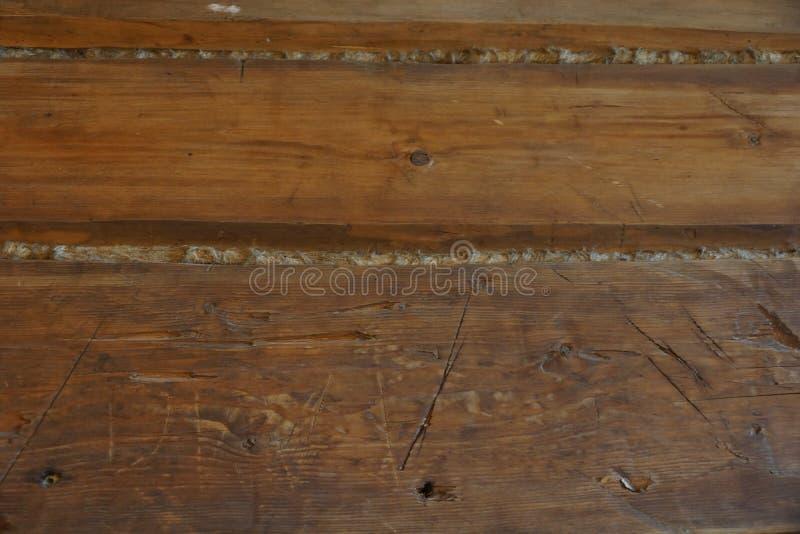 Feixe de madeira Casa velha uma parede de uma barra um fragmento imagens de stock