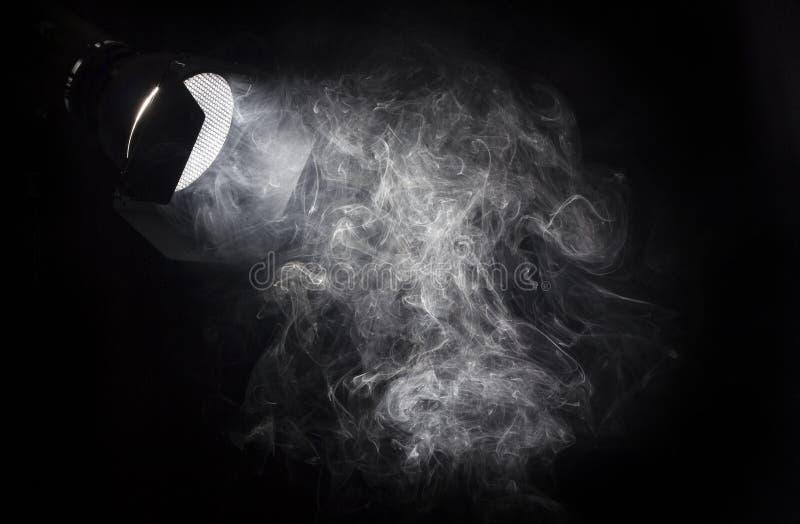 Feixe luminoso branco do vintage do projetor imagem de stock