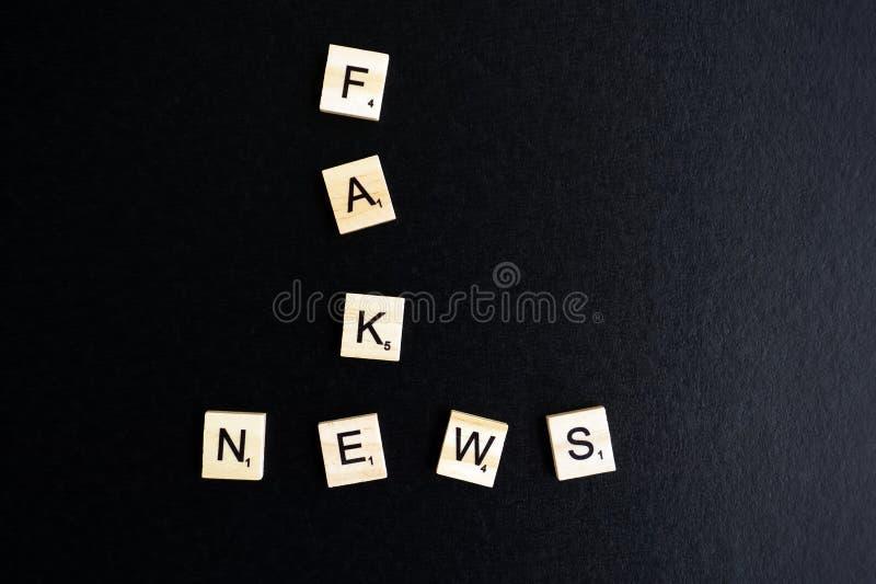 Fejka nyheterna royaltyfri foto