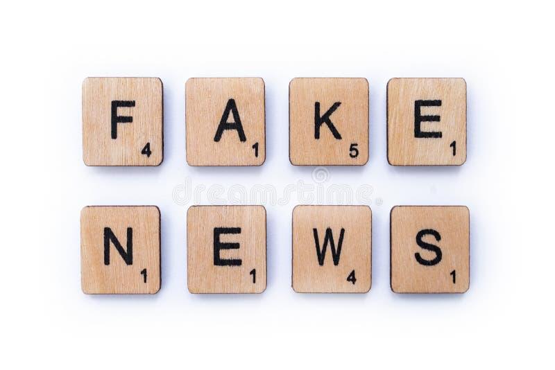 Fejka nyheterna fotografering för bildbyråer