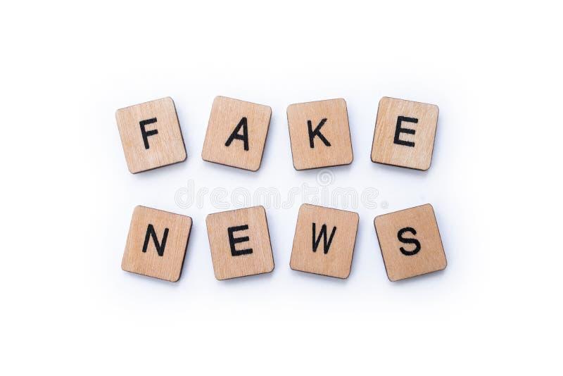 Fejka nyheterna royaltyfria foton