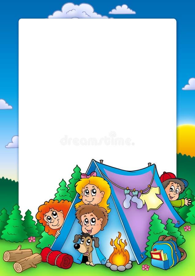 Feld mit Gruppe kampierenden Kindern lizenzfreie abbildung