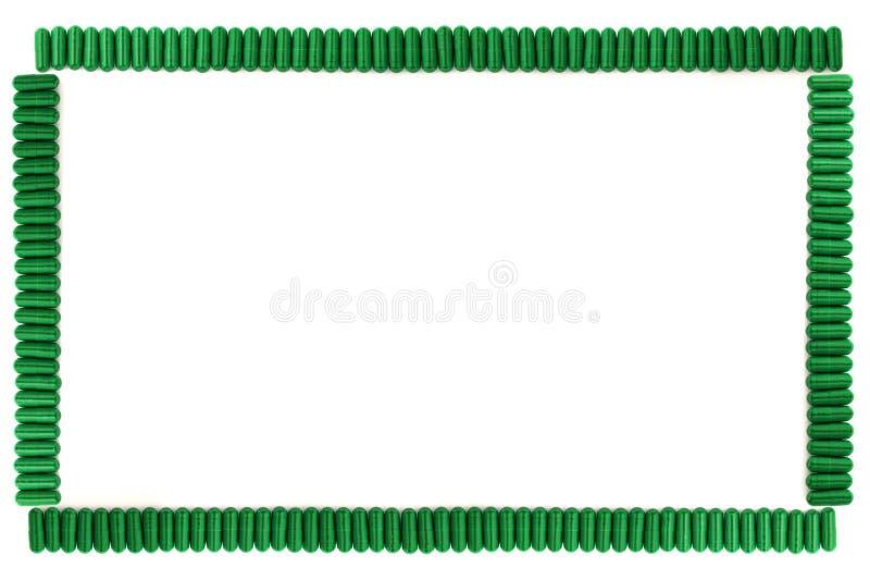 Feld von den grünen Kapseln lizenzfreie stockfotografie