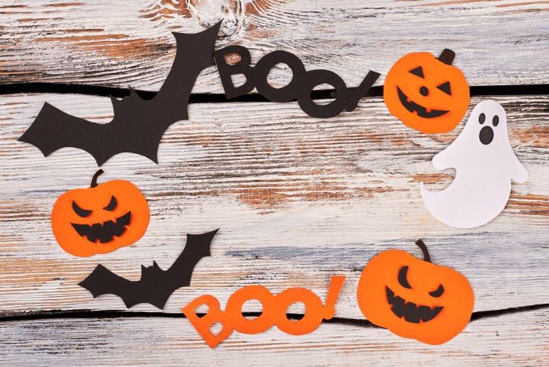 Feld von den Halloween-Papierschattenbildern lizenzfreies stockbild